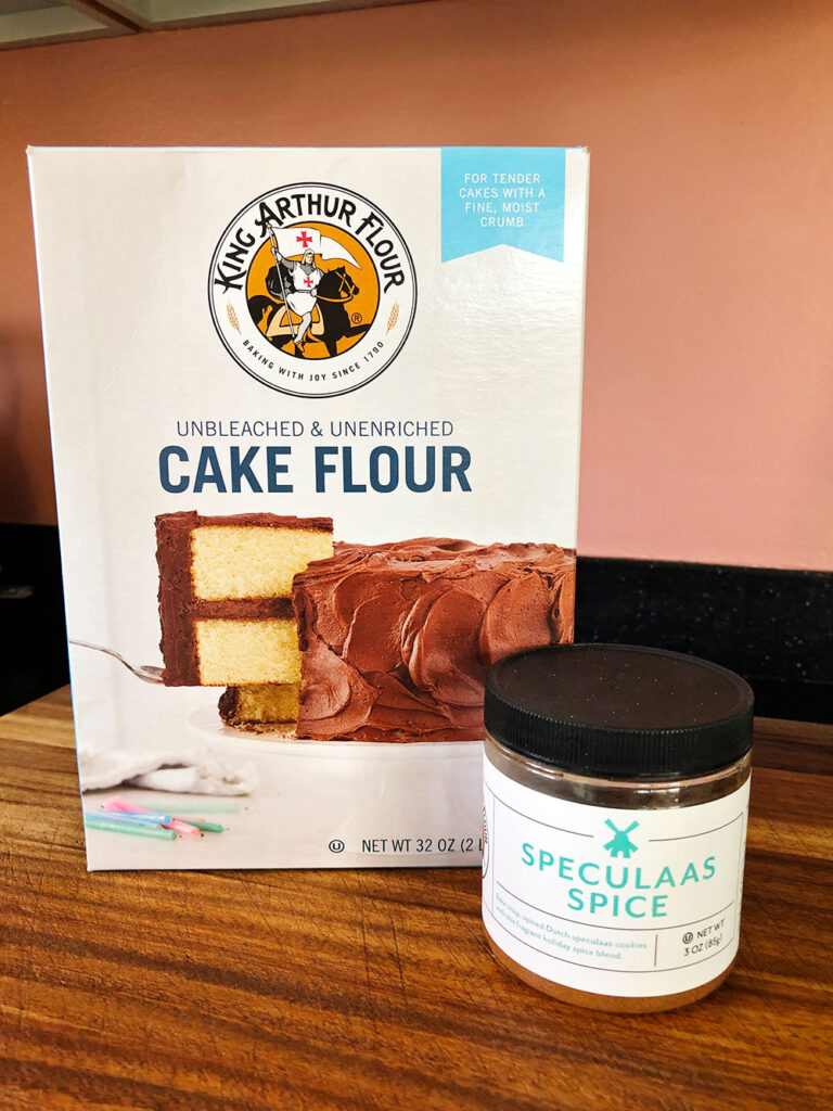 special ingredients for the spice cake, cake flour and speculaas spice